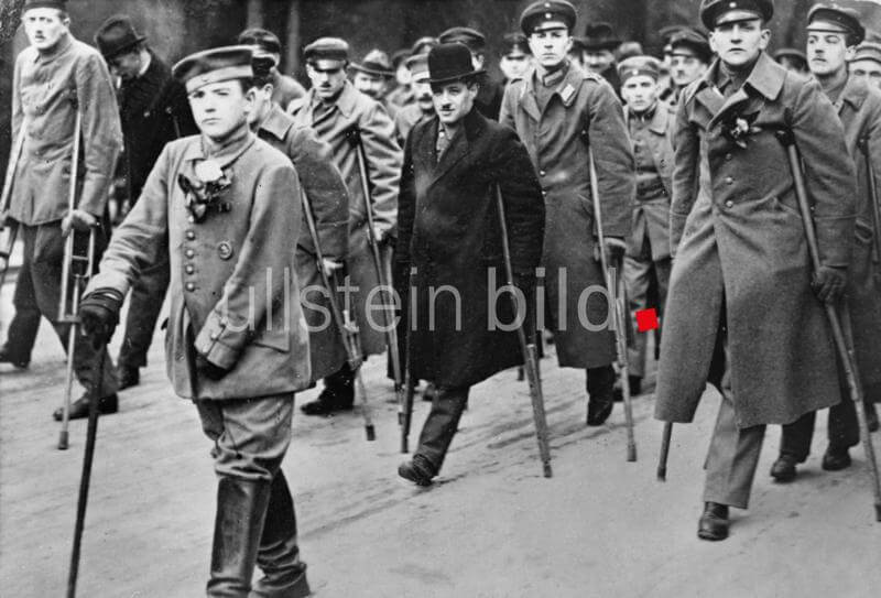 Germany, Repulic of Weimar, Berlin - Demonstration : War invalids on the way to the war ministry claiming compensation payment. December 1918