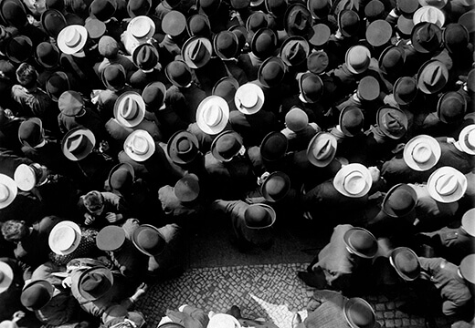Symbolic photo for Haeckel Collection: audience in Paris 1908 from above